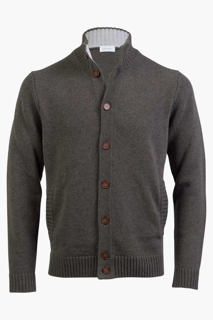 Cardigan buttons contrast